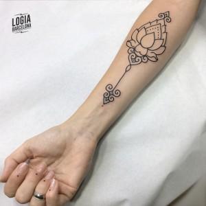 Tatuaje walk in mandala - Logia Barcelona