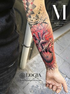 tatuaje-brazo-color-geometria-color-logia-barcelona-abel