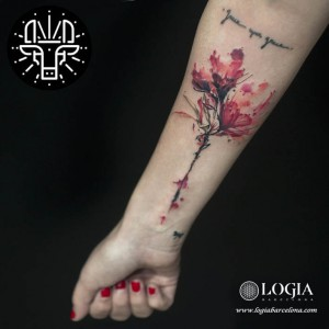 tatuaje-brazo-flores-logiabarcelona-alexei