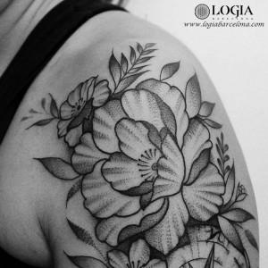 tatuaje-brazo-flores-logiabarcelona-beve