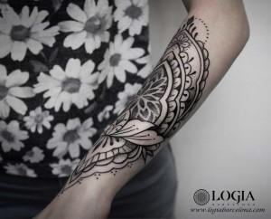 tatuaje-brazo-mandala-logiabarcelona-beve-3