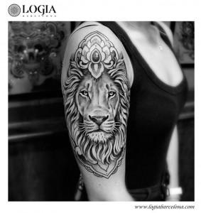 tatuaje-leon-logiabarcelona-beve