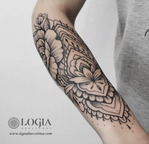 tatuaje-mandala-antebrazo-logiabarcelona-beve