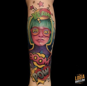 tattoo_pierna_pop_art_chica_gafas_color_bruno_don_lopes_logia_barcelona