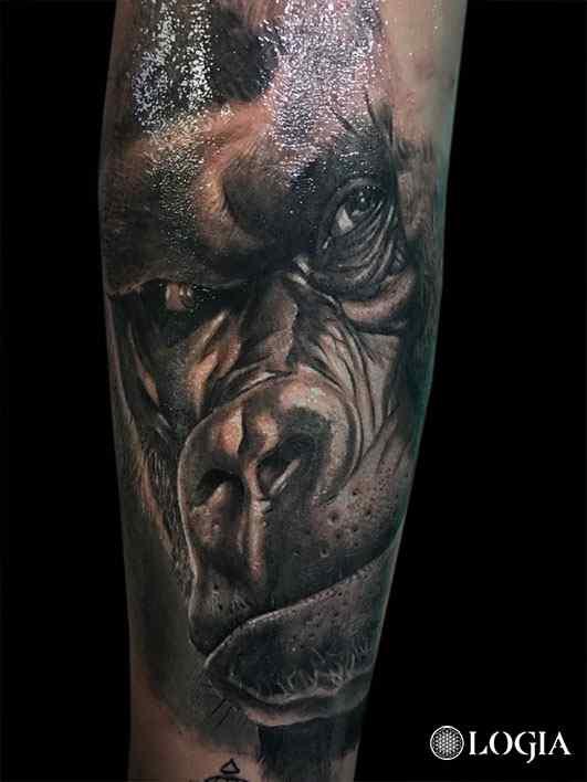 gorilla tattoo realista