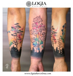 tatuaje-color-bosque-brazo-logia-barcelona-dif