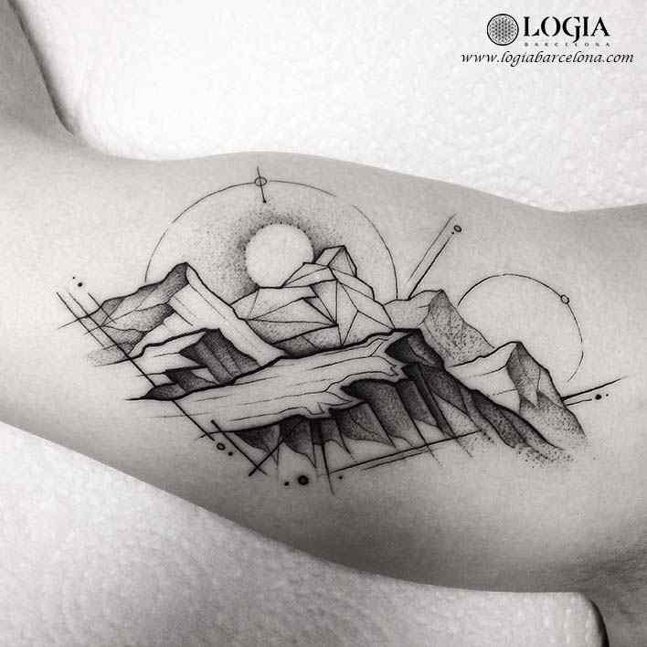 tatuaje-brazo-atardecer-montañas-logia-barcelona-franki