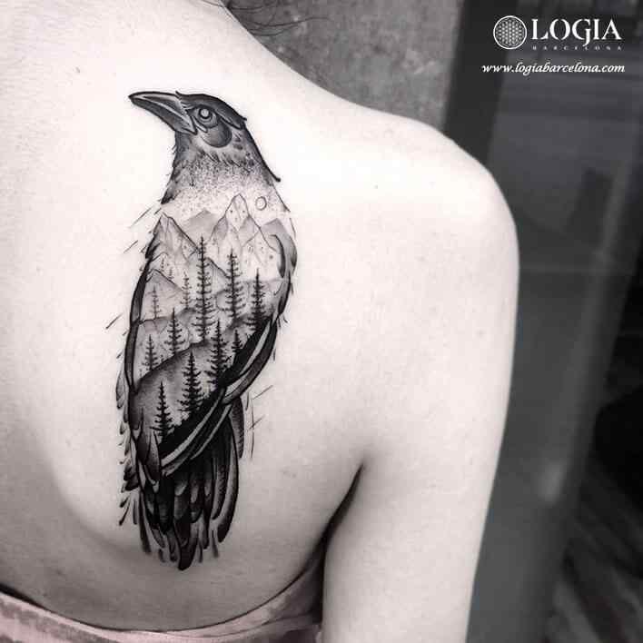tatuaje-espalda-cuervo-logia-barcelona-franki
