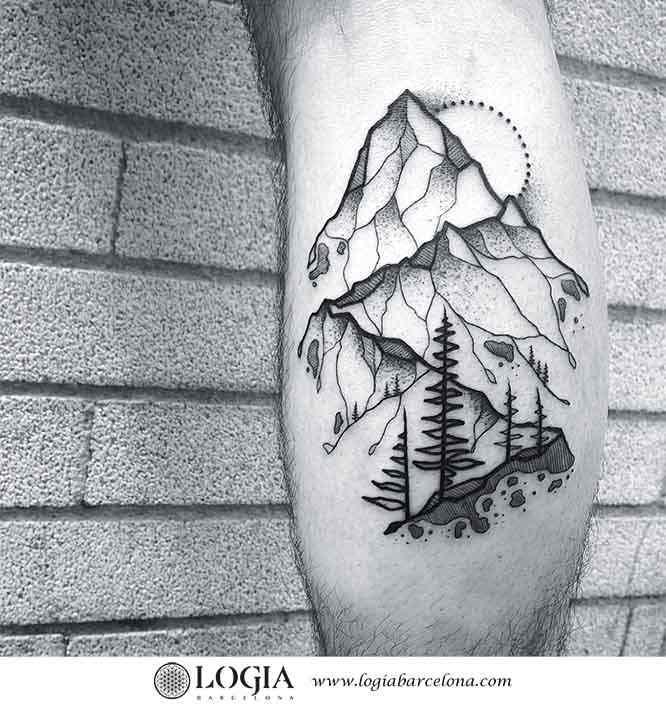 tatuaje-pierna-montaña-logiabarcelona-franki