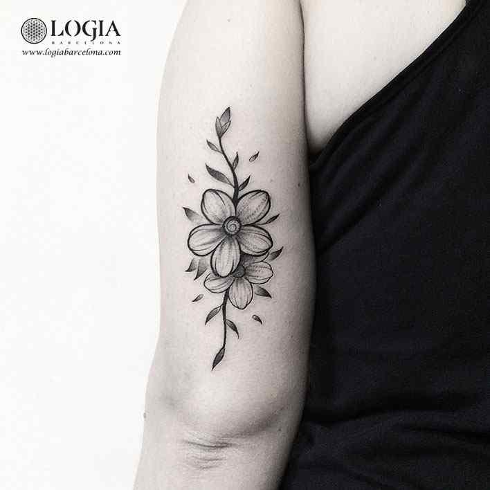 tatuaje-triceps-flor-logiabarcelona-franki