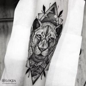 tatuaje-brazo-leona-logiabarcelona-franki