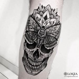 tatuaje-pierna-calavera-logiabarcelona-franki