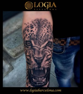 tatuaje-brazo-leopardo-Barcelona-Grego