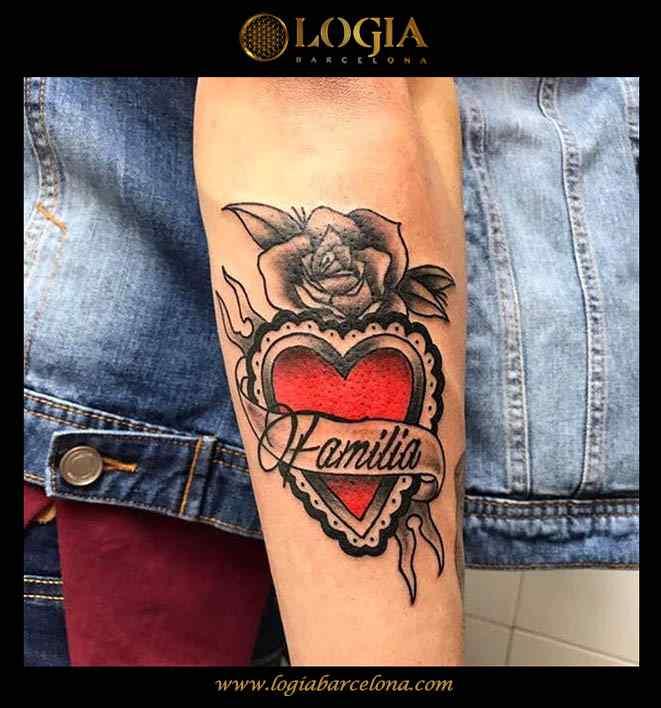 tatuaje-brazo-corazon-color-logia-barcelona-illy