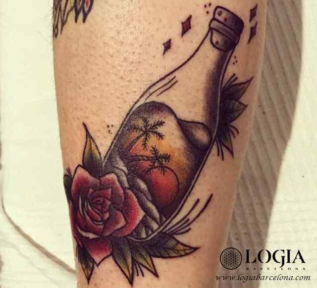 tatuaje-pierna-rosa-botella-color-logia-barcelona-illy