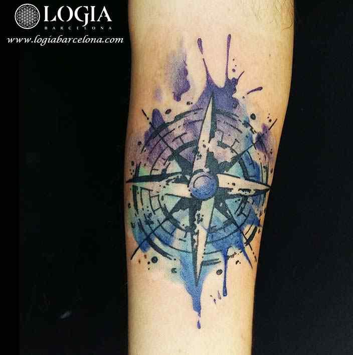 tatuaje estrella nautica watercolor logia barcelona