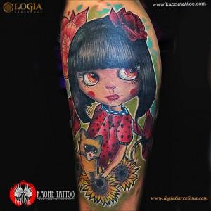 tatuaje-brazo-chica-logia-barcelona-kaone