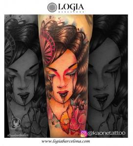 tatuaje-brazo-geisha-logia-barcelona-kaone