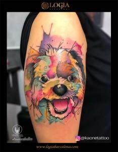 tatuaje-brazo-perro-logia-barcelona-kaone
