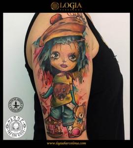 tatuaje-chica-hombro-logia-barcelona-kaone