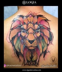 tatuaje-espalda-leon-logia-barcelona-kaone