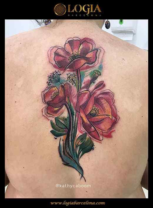 tatuaje-watercolor-flor-espalda-logia-barcelona-kathycaboom