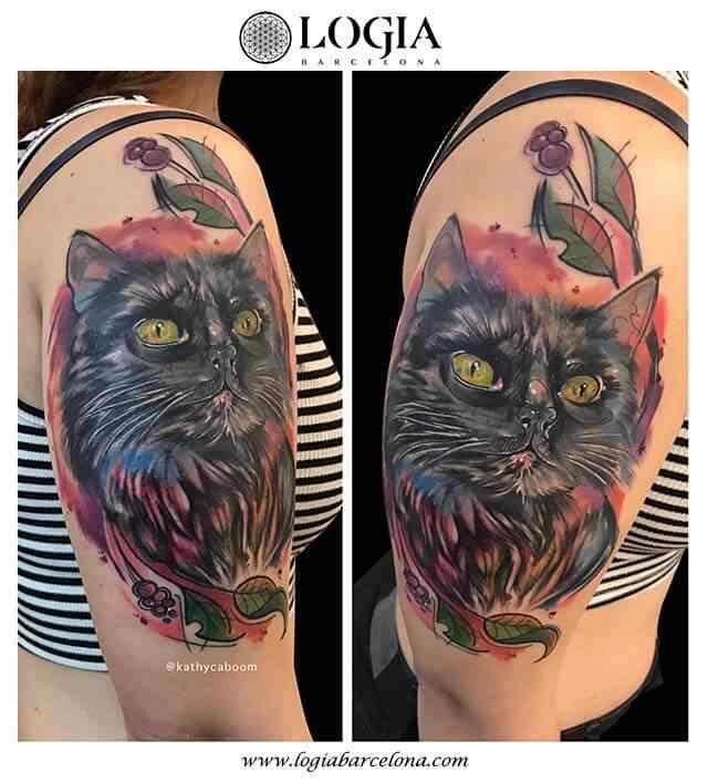 tatuaje-watercolor-gato-hombro-logia-barcelona-kathycaboom