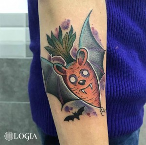 tatuaje-brazo-murcielago-watercolor-logia-barcelona-kathycaboom