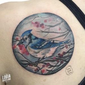 tatuaje_pajaro_espalda_logiabarcelona_kathycaboom