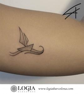 tatuaje-brazo-barco-logiabarcelona-luana-xavier