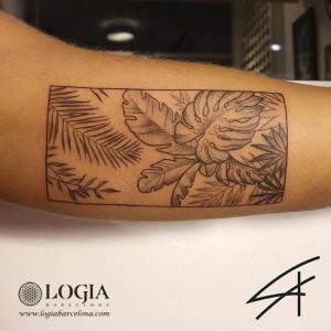 tatuaje-brazo-plantas-logiabarcelona-luana-xavier