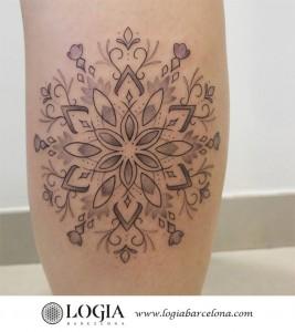 tatuaje-pierna-mandala-logiabarcelona-luana-xavier