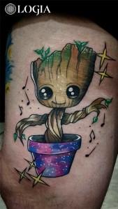 tattoo-muslo-arbol-logiabarcelona-lauristica