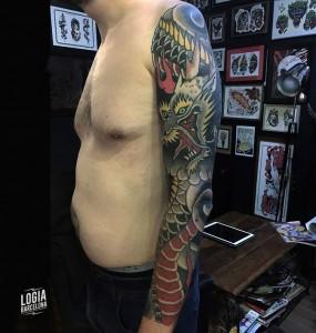 tatuaje_japones_dragon_brazo_hombro_lelectric_Logia_Barcelona