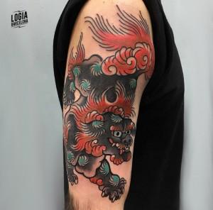tatuaje_japones_hombro_dragon_brazo_lelectric_Logia_Barcelona