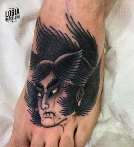 tatuaje_japones_ronin_pie_lelectric_Logia_Barcelona