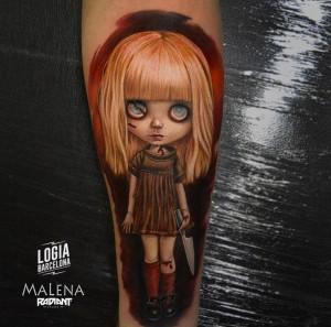 tatuaje_brazo_dolls_02_malena_logia_barcelona