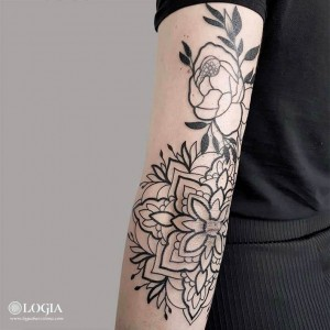 tattoo-brazo-planta-ornamental-camisani