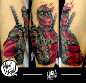 tatuaje_deadpool_pierna_maxi_paint_logia_barcelona