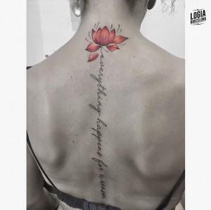 tatuaje-espalda-loto-lettering-logia-barcelona-moskid