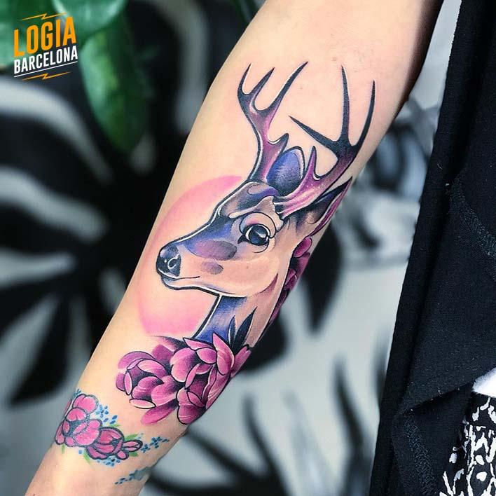 tatuaje elegante ciervo nastia logia barcelona