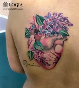Tatuaje-color-corazon-espalda-logia-tattoo-Olya