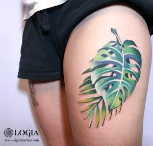 Tatuaje-color-hojas-brazo-logia-tattoo-Olya