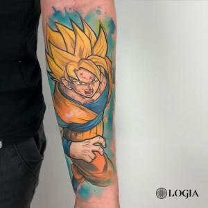Tatuaje Goku superguerrero en el brazo Rzychu