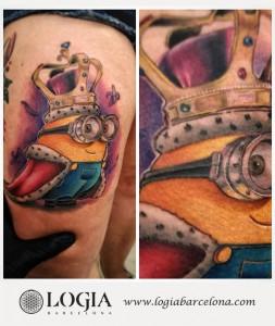 tatuaje-muslo-minion-logia-barcelona-sauco