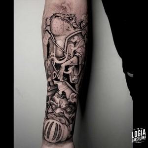 tatuaje_antebrazo_personajes_comic_logiabarcelona_sulsu