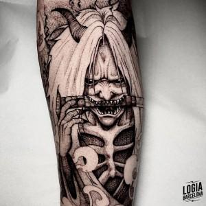 tatuaje_brazo_demonio_manga_sulsu_logiabarcelona