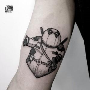 tatuaje_cartoon_Logia_Barcelona_Blackwork_Sulsu