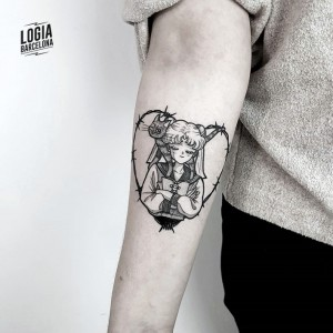 tatuaje_sailormoon_Logia_Barcelona_Blackwork_Sulsu