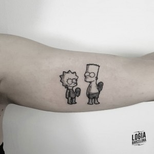 tatuaje_the_simpsons_Logia_Barcelona_Blackwork_Sulsu